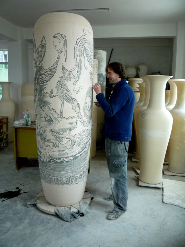 Perpetua Porseline, Pepijn painting the vase in Jingdezhen, China 2010