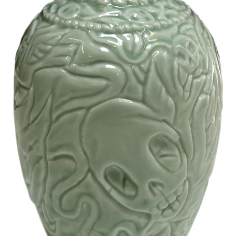 The sultan and smoking skulls: carved vases